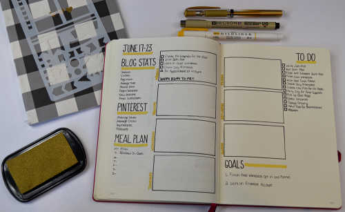 Weekly layouts are great for planning your small day to day details, taking notes, writing down ideas and more!