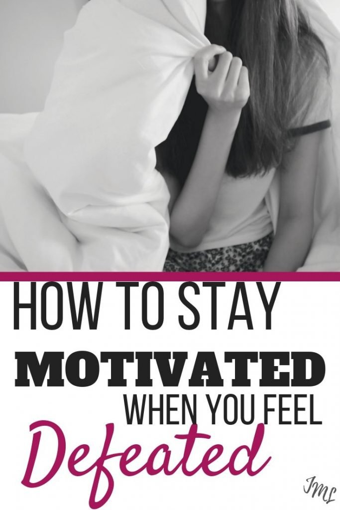 Struggling to stay motivated? Discover 7 tips to help you stay motivated to continue working towards your goals! #motivation #goalsetting