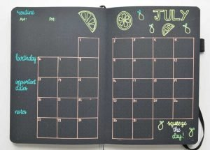 July Bullet Journal Monthly Layout. This simple calendar style layout is great for planning your month at a glance! This layout also includes space for a monthly daily routine.
